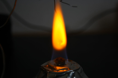 sodium flame test yellow color